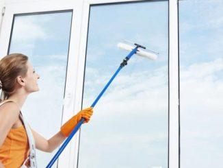 ทำความสะอาดกระจกสูง